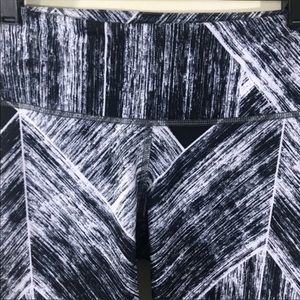 lululemon athletica Pants & Jumpsuits - Lululemon wonder under crop